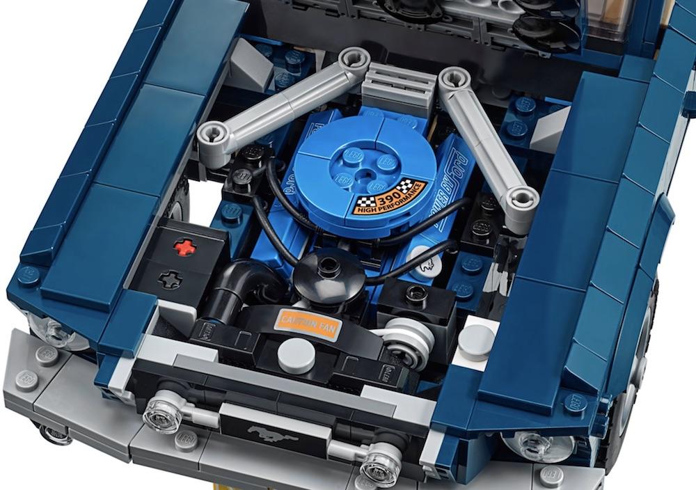 двигатель лего мустанга